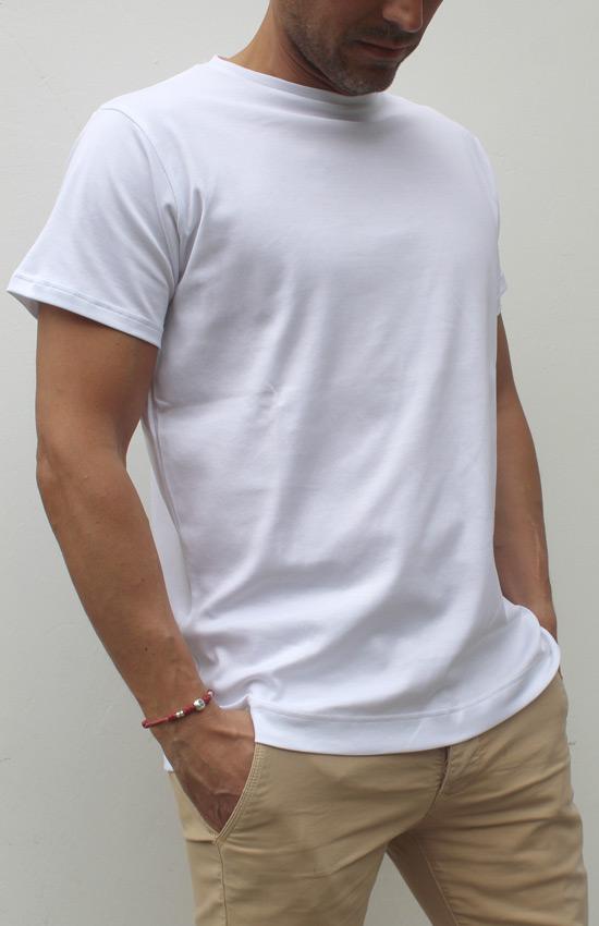 T-shirt supima indossato