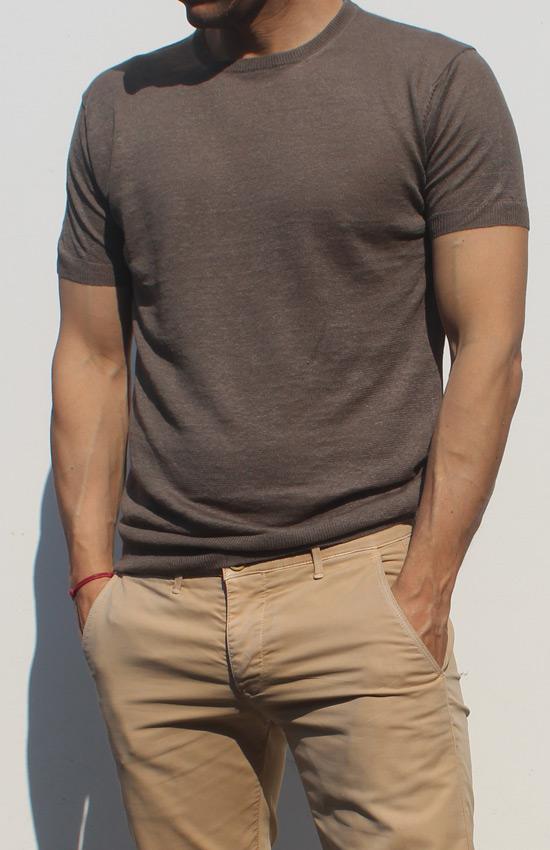T-shirt lino indossato