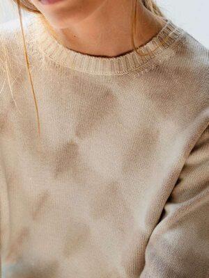 London ocean tiedye ivory/jute indossato dettaglio scollo