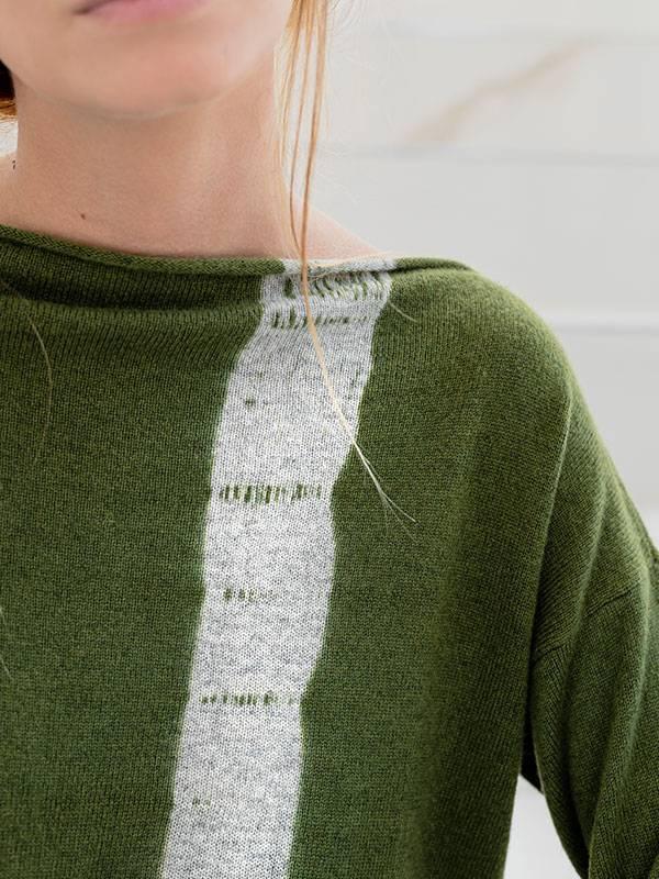 Maddalena vertical tiedye in cashmere oxford/scout indossato dettaglio scollo