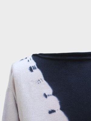 Maddalena Space tie-dye black/jute dettaglio scollo