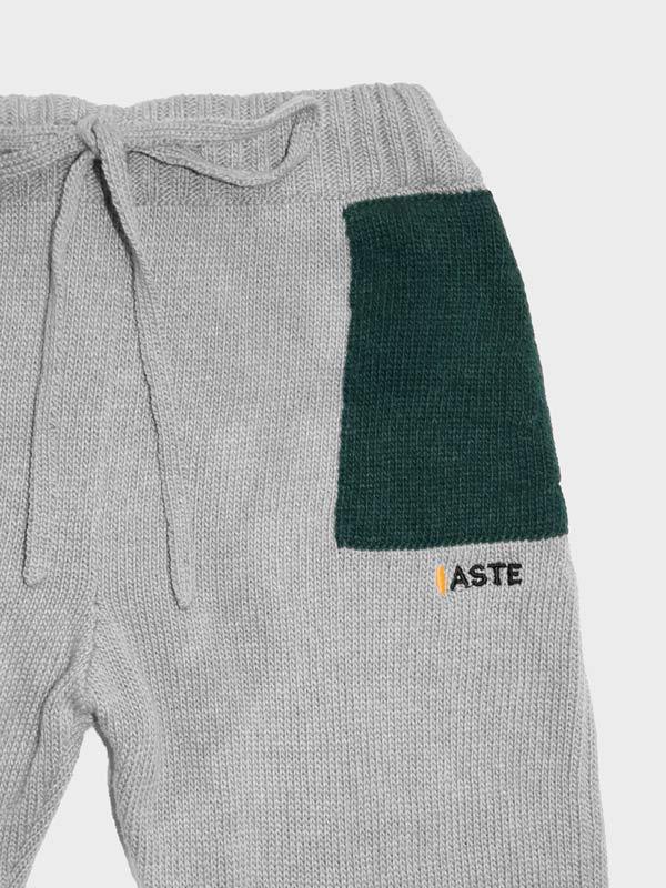 Pantalone con tasche dettaglio