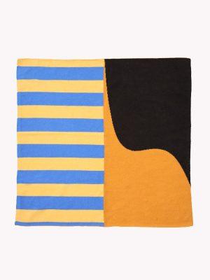 square shawl intarsio